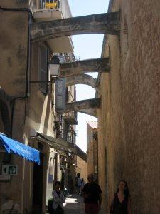 Romantické uličky Bonifacia